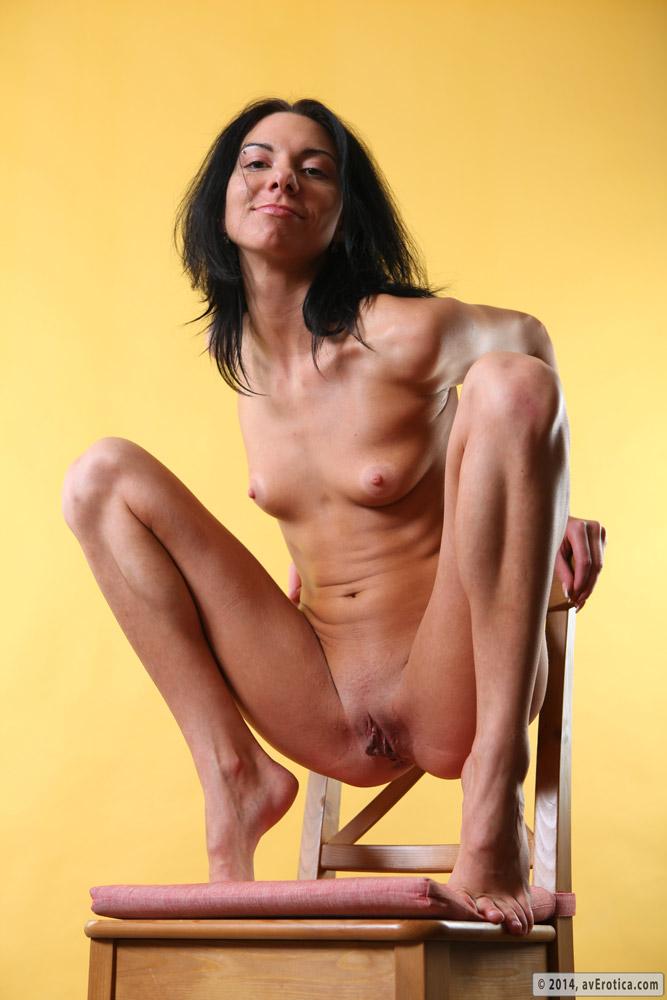 Skinny brunette Sandra loves to pose her insolent nude body