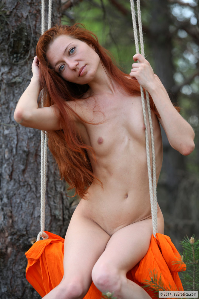 Slim babe Kesy is naughty in her sexy outdoor solo