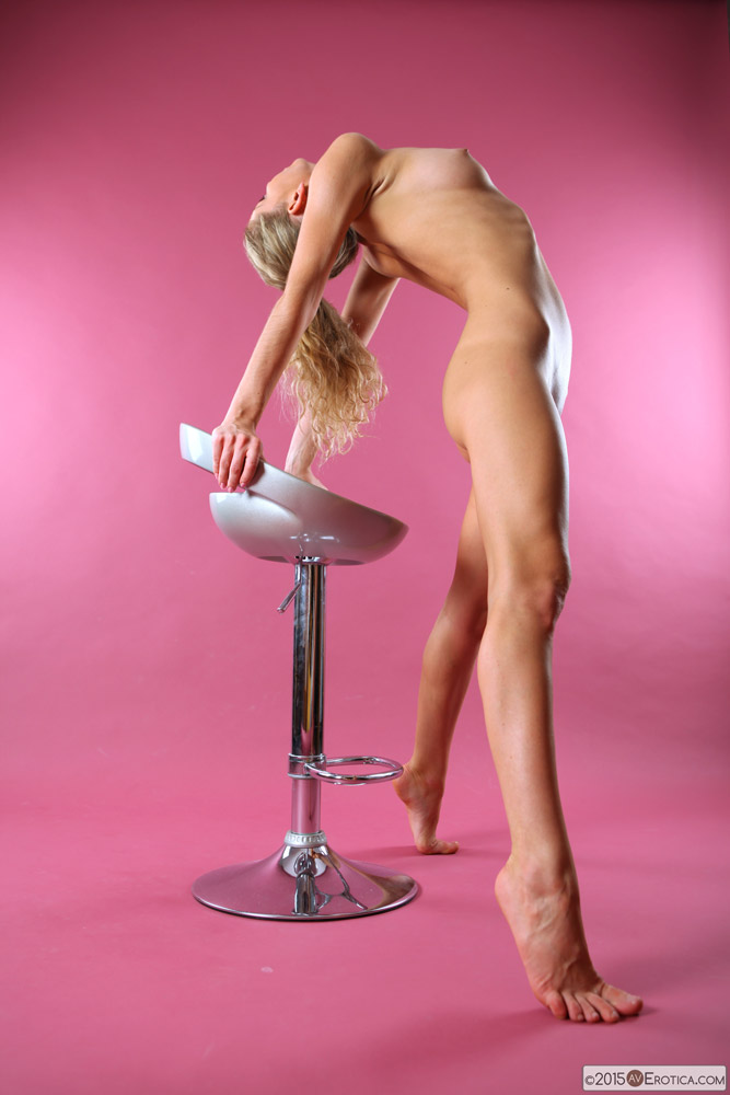 Tall leggy stunner Ginny takes your breath away when she gets nude